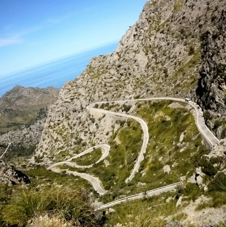 Mallorca cycling switchbacks